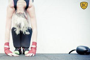 La boxe féminine permet aux débutantes, sur une version fitness, de se dépenser tout en exécutant le bon geste